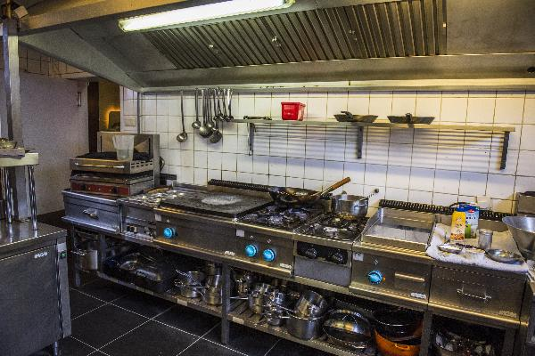 Restaurant 52 couverts met mooi terras en complete keuken in Brunssum, Parkstad Limburg foto 11