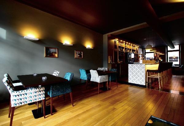 Caffè e Vino in het centrum van Roermond foto 2