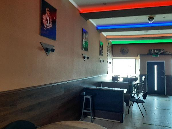 Café met 4 kamers foto 2