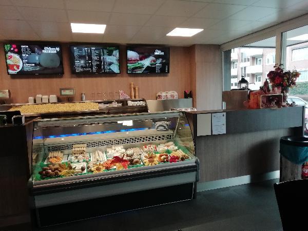 Cafetaria te Brunssum met ruime bovenwoning foto 2