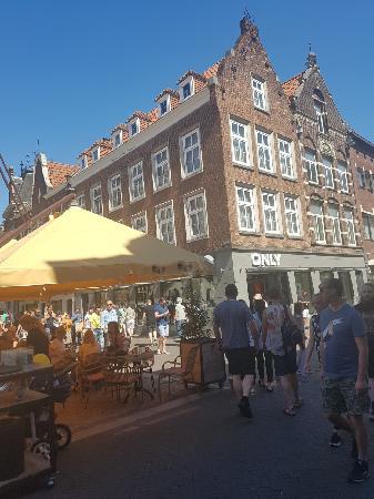 Riant casco pand op hét Horecaplein in Venlo foto 6