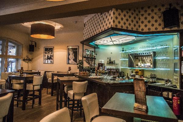 Hotel in Valkenburg met 17 kamers en Brasserie foto 12