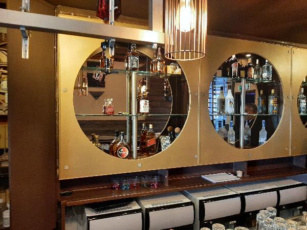 Café met 4 kamers foto 4