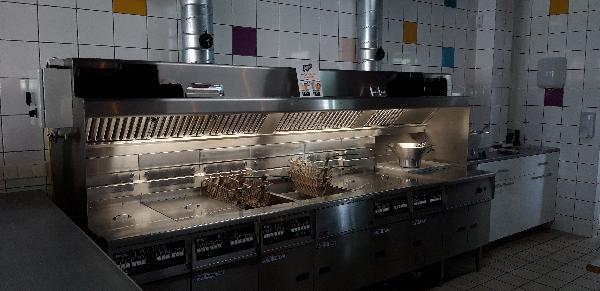 Cafetaria met bovenwoning foto 3