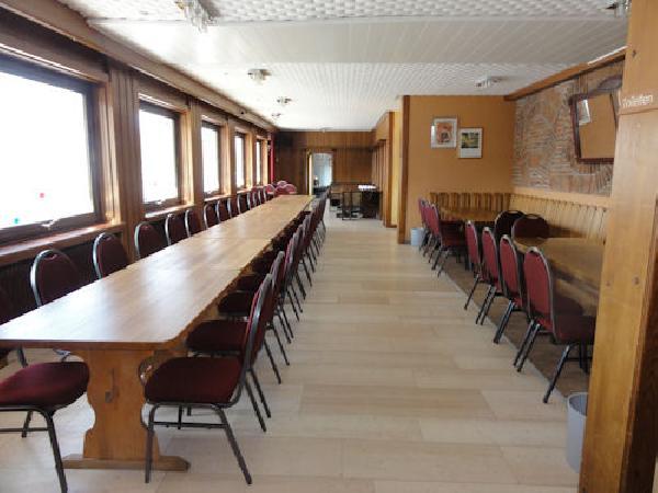 Groepsaccommodatie voor 34-60 personen, gelegen aan een meer foto 3