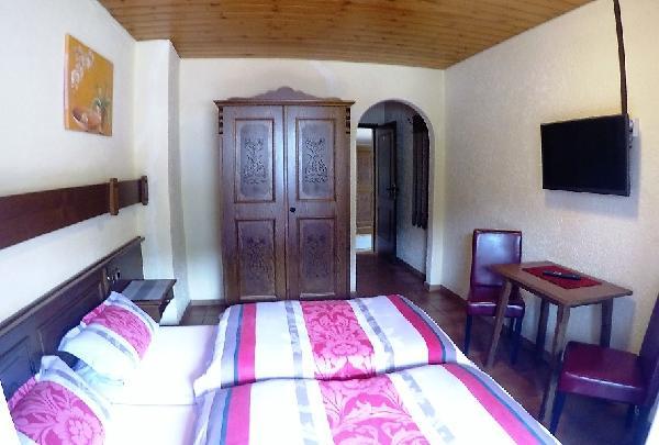 Hotel met 14 kamers foto 2