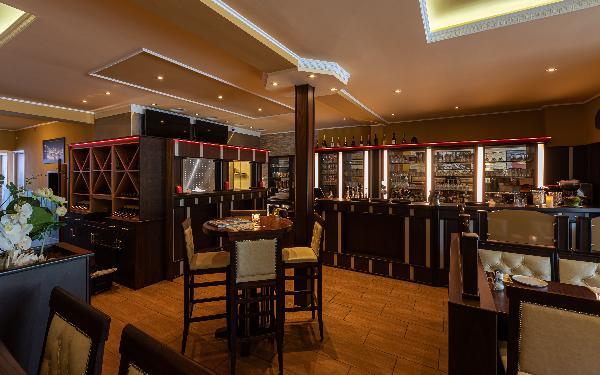 Nisos Bar & Bites in centrum Brunssum foto 3