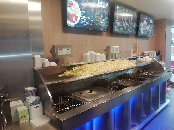Cafetaria te Brunssum met ruime bovenwoning foto 3