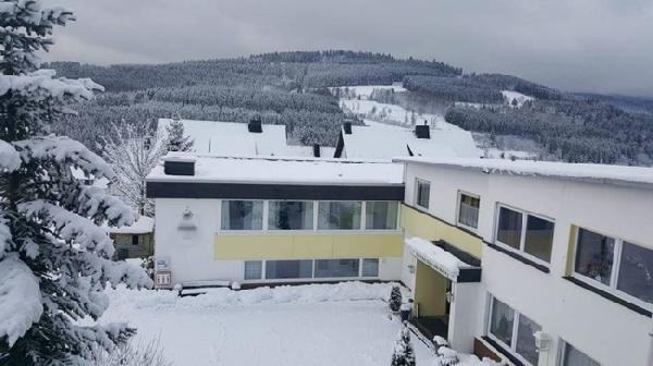 Hotel met 16 kamers in Winterberg foto 1