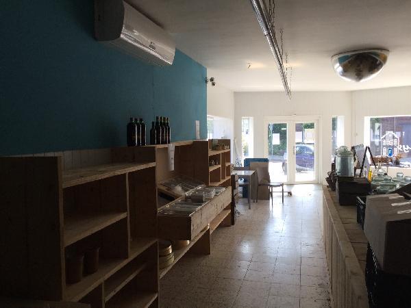 winkelruimte/horecapand, maar ook geschikt als kantoor of praktijkruimte foto 4