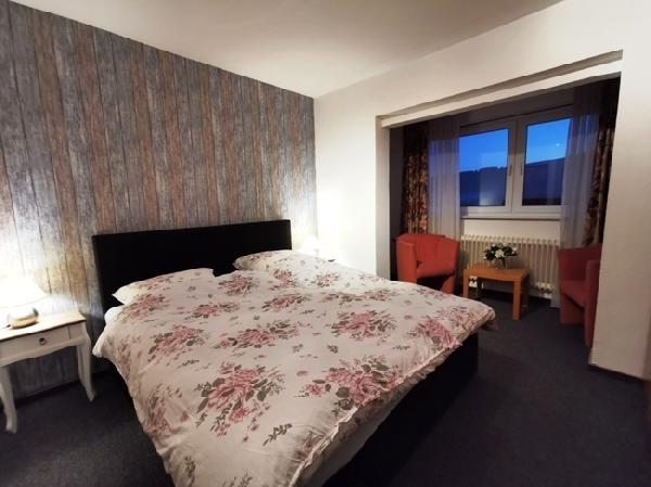 Hotel met 16 kamers in Winterberg foto 8