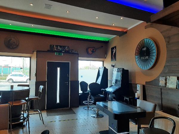Café met 4 kamers foto 3