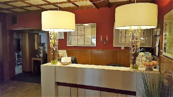 Goedlopend, gerenoveerd hotel met 36 bedden en eigenaarswoning in hartje Sauerland foto 2