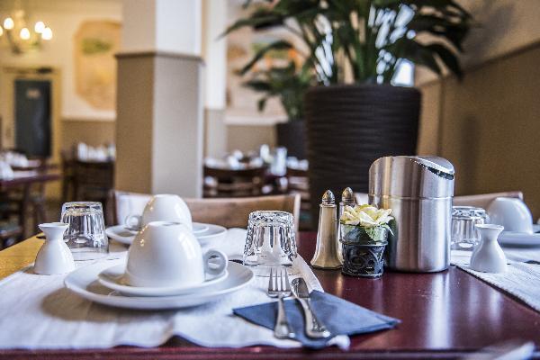 Hotel in Valkenburg met 17 kamers en Brasserie foto 9